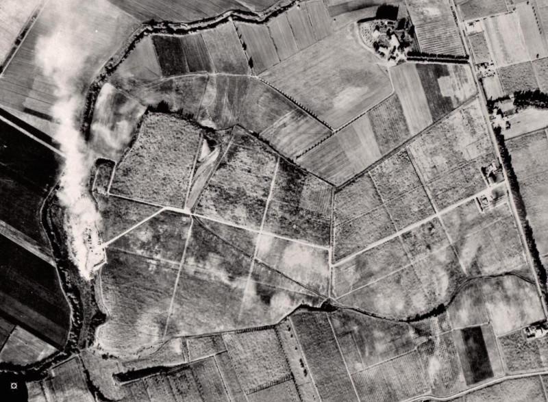 La Discarica Comunale Lungo La Riva Sinistra Del Fiume Astura. Foto Aerea Degli Anni '70