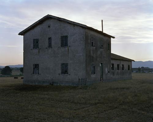 Una Casa Abbandonata Nella Campagna Vicino La Discarica Di Borgo Montello