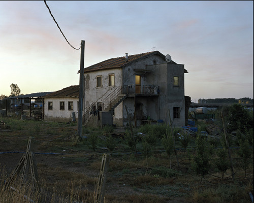 Una Casa Abitata Da Braccianti Indiani Nella Campagna Intorno Alla Discarica Di Borgo Montello